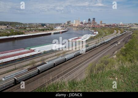 A view of St. Paul, Minnesota, as seen from the bluffs of the Mississippi River at Indian Mounds Park. - Stock Photo