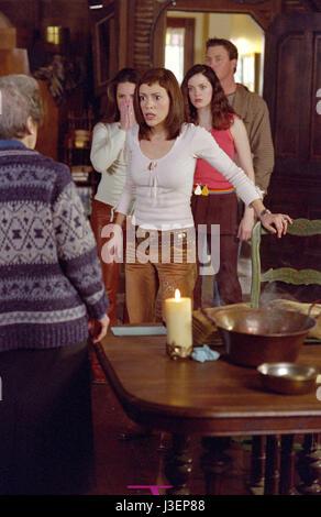 Watch Charmed S05E14 Season 5 Episode 14