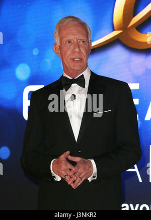 Los Angeles, Ca, USA. 6th May, 2017. Captain 'Sully' Sullenberger, At Angel Flight West's Annual Endeavor Awards - Stock Photo