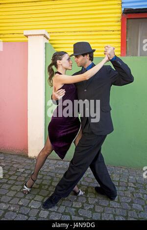 Argentina, Buenos Aires, part of town of La Boca, dance couple, tango, pose, no model release, - Stock Photo