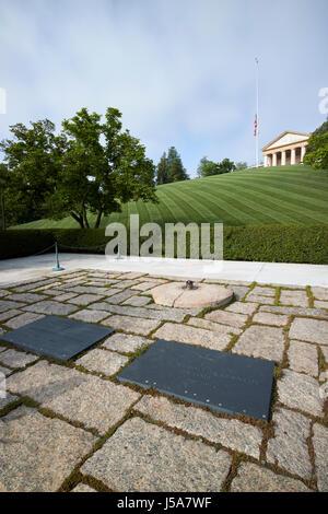 JFK President John F Kennedy and jaqueline bouvier kennedy grave site arlington cemetary Washington DC USA - Stock Photo
