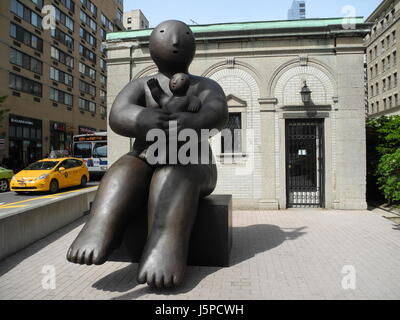New York City, USA. 17th May, 2017. Bronze sculptures by artist Joy Brown on Broadway in the Upper West Side in - Stock Photo