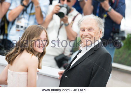 Cannes, France. 22nd May, 2017. (L-R) Fantine Harduin and Jean-Louis Trintignant attends the Happy End photocall - Stock Photo
