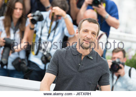 Cannes, France. 22nd May, 2017. French actor Mathieu Kassovitz poses on May 22, 2017 during a photocall for the - Stock Photo