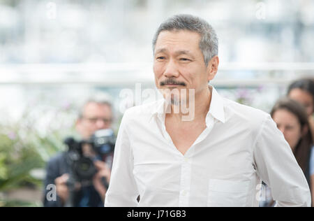 Cannes, France. 22nd May, 2017. Director Hong SangSoo attends a photocall of the film 'The Day After' during the - Stock Photo