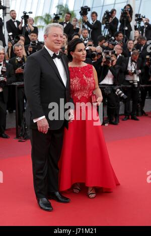 Cannes, France. 22nd May, 2017. Al Gore And Elizabeth Keadle U.S. Politician The Killing Of A Sacred Deer. Premiere. - Stock Photo