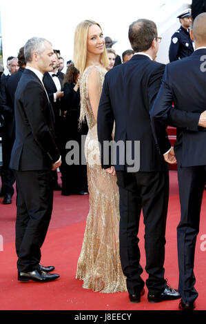 Cannes, Frankreich. 28th May, 2017. Uma Thurman attending the closing-night of the 70th Cannes Film Festival at - Stock Photo
