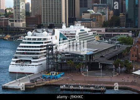 Cruise ship moored in the port of Honolulu. O'ahu. Hawaii