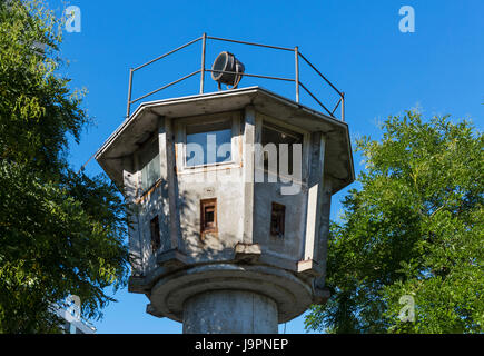 erna berger strasse berlin wall observation tower stock photo royalty free image 30775374 alamy. Black Bedroom Furniture Sets. Home Design Ideas