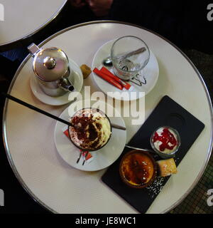 PARIS FRANCE - HOT CHOCOLATE AND TEA WITH PASTRIES AT THE CAFE - PARIS CAFE © Frédéric BEAUMONT - Stock Photo