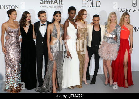 Fabulous fashion at Cannes' amfAR party