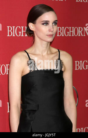 Palm Springs, CA, USA. 2nd Jan, 2016. PALM SPRINGS - JAN 2: Rooney Mara at the 27th Palm Springs International Film - Stock Photo
