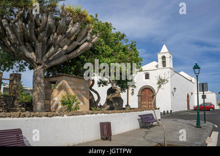 iglesia de san roque in tinajo lanzarote canary islands. Black Bedroom Furniture Sets. Home Design Ideas