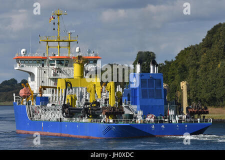 Chinese Hopperdredger Tong Xu - Stock Photo