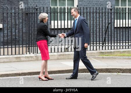 London, UK. 13th July, 2017. King Felipe VI of Spain visits No. 10 Downing Street to meet Prime Minister Theresa - Stock Photo