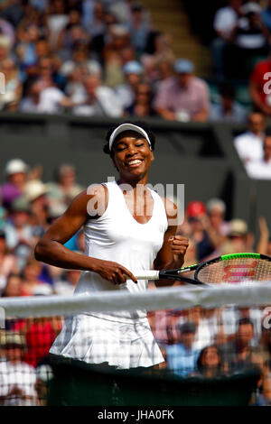 London, UK. 13th July, 2017. Wimbledon Tennis: London, 13 July, 2017 - Venus Williams celebrates her semi final - Stock Photo
