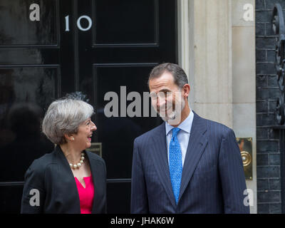 London, UK. 13th July 2017. The King of Spain, Felipe VI, meets British Prime Minister Theresa May at 10 Downing - Stock Photo