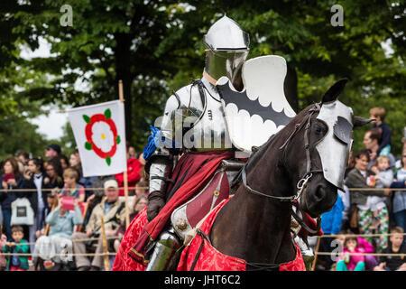 London, UK. 15th July, 2017. Tudor Joust at Hampton Court Palace © Guy Corbishley/Alamy Live News - Stock Photo