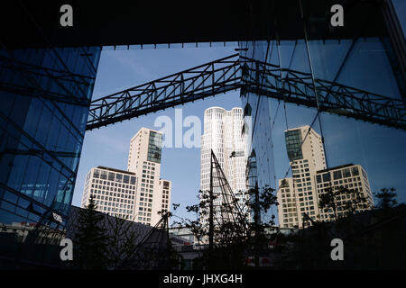 Berlin, Germany. 17th July, 2017. The skyscraper Upper West at Breitscheidplatz square and the Hotel Waldorf Astoria - Stock Photo