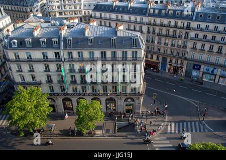 French architecture along Boulevard Haussmann, Paris, Ile-de-France, France - Stock Photo