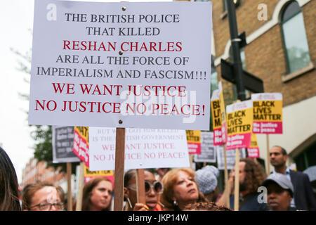 Stoke Newington Police Station. Hackney. London, UK. 24th July, 2017. Campaigners holds a vigil outside Stoke Newington - Stock Photo