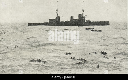 British Navy rescuing survivors of German armored cruiser SMS Gneisenau - Stock Photo