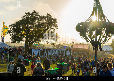 Lulworth Castle, Dorset, UK. 27th July, 2017. Although there are no acts on today lots of people have arrived for - Stock Photo