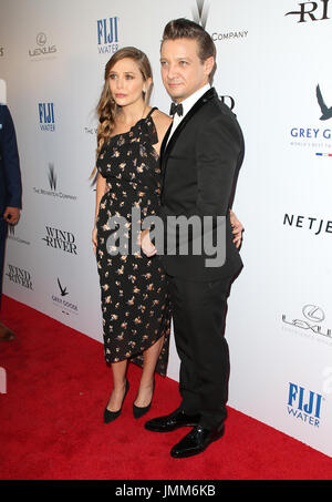 Los Angeles, USA. 26th July, 2017. 26 July 2017 - Los Angeles, California - Elizabeth Olsen, Jeremy Renner. ''Wind - Stock Photo