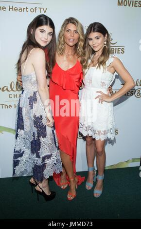 Lori Loughlin, Olivia Jade Giannulli and Isabella Rose ...