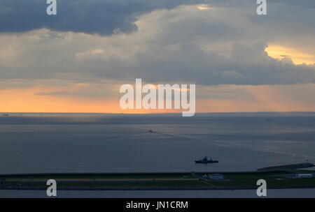 St Petersburg, Russia. 28th July, 2017. A view of the Gulf of Finland. Credit: Peter Kovalev/TASS/Alamy Live News - Stock Photo