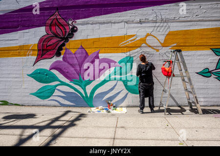 Vancouver, Canada. 30th Jul, 2017. Mural painter at the Drum is Calling Festival, Canada 150  event, Larwill Park, - Stock Photo
