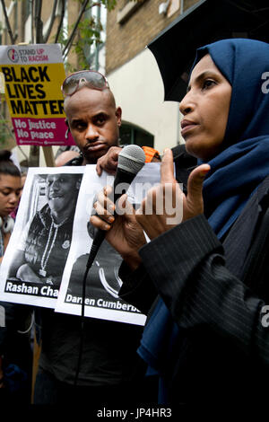 Rally,organised by Stand Up To Racism, outside Stoke Newington police station, Hackney, after the death of  20 year - Stock Photo
