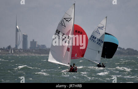 Cowes, UK. 4th Aug, 2017. Lendy Cowes Week Sailing All classes Flying 15 class yachts Afore the Weak & Foenix Credit: - Stock Photo