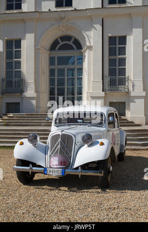 Citroen traction avant in front of the 3 nagas hotel for Daylight motors beaumont tx