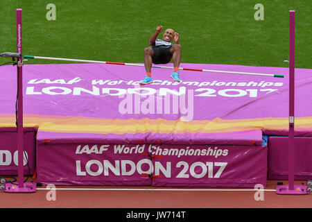 London, UK.  11 August 2017. Competitors take part in the high jump decathlon at the London Stadium, on day eight - Stock Photo