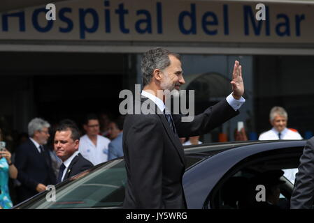Barcelona, Spain. 19th Aug, 2017. Spain's King Felipe VI leaves after his visit to victims of the terrorist attacks - Stock Photo