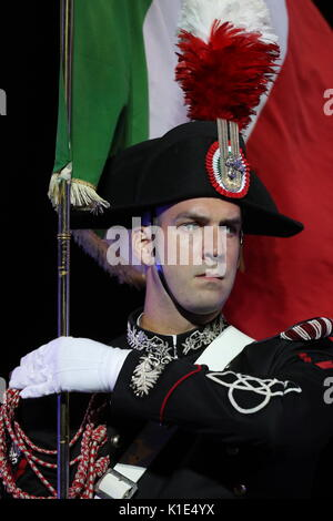 Moscow, Russia. 25th Aug, 2017. A member of the Carabinieri band of Italy with a national flag at the dress rehearsal - Stock Photo
