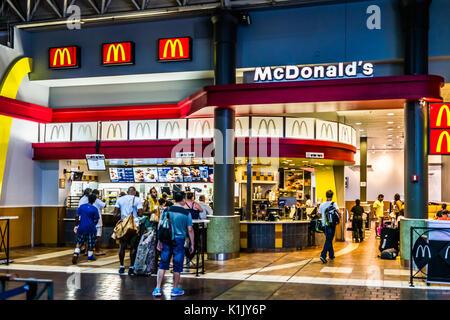 Union Station Toronto Food Court