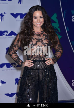 Los Angeles, USA. 27th Aug, 2017. a Demi Lovato 085 arriving at the MTV VMA 2017 ( Music Awards ) at the Great Western - Stock Photo