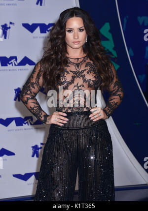 Los Angeles, USA. 27th Aug, 2017. Demi Lovato 088 arriving at the MTV VMA 2017 ( Music Awards ) at the Great Western - Stock Photo