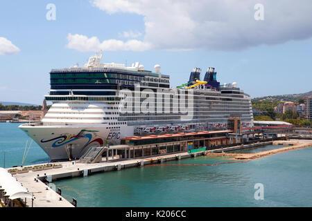 Cruise Ship Norwegian Epic Of Norwegian Cruise Line Ncl Setting Sail Stock Photo Royalty Free