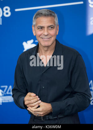 Venice, Italy. 2nd Sep, 2017. Director George Clooney poses during a photocall for the movie 'Suburbicon' in competition - Stock Photo