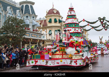 Disney Christmas parade, Paris Marne La Vallee - Stock Photo