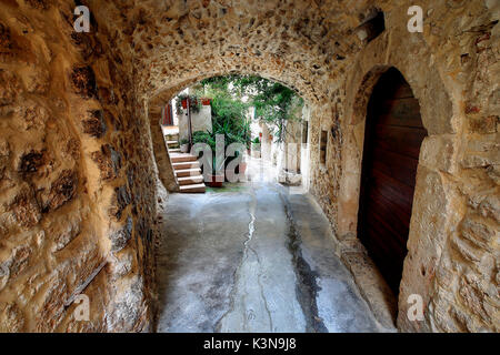 Alley of Vieste village, Apulia, Italy - Stock Photo