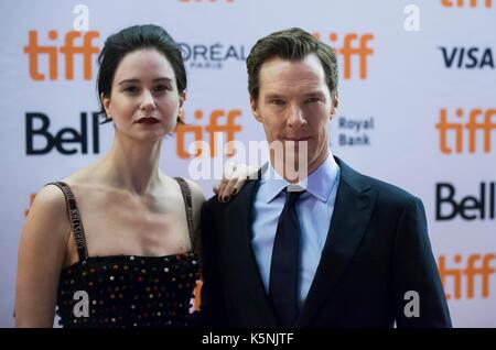 Toronto, Canada. 9th Sep, 2017. Actor Benedict Cumberbatch (R) and actress Katherine Waterston attend the premiere - Stock Photo