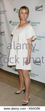 Mary Stuart Masterson. Gisele Bündchen hosts the Rainforest Alliance Gala at The Museum of Natural History in New - Stock Photo
