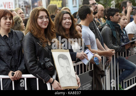 San Sebastian, Spain. 25th Sep, 2017. Fans at the 'Wonder Of The Sea 3D' premiere at the Victoria Eugenia Teather - Stock Photo