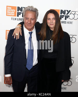 New York, New York, USA. 1st Oct, 2017. Actor DUSTIN HOFFMAN and his wife LISA HOFFMAN attend the 55th New York - Stock Photo
