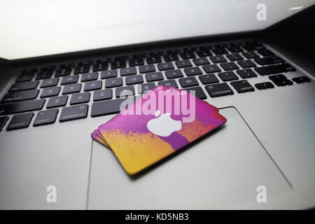 how to download itunes on laptop for free