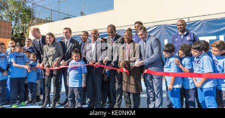 New York, United States. 17th Oct, 2017. New York, NY - October 17, 2017: Ribbon cutting ceremony during opening - Stock Photo